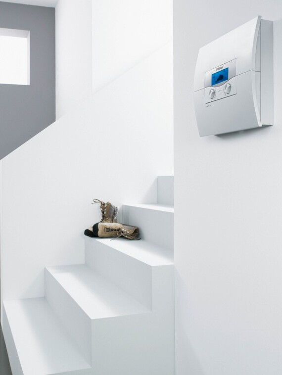 //www.vaillant.sk/media-master/global-media/vaillant/product-pictures/scene/control05-3122int01-39118-format-3-4@570@desktop.jpg